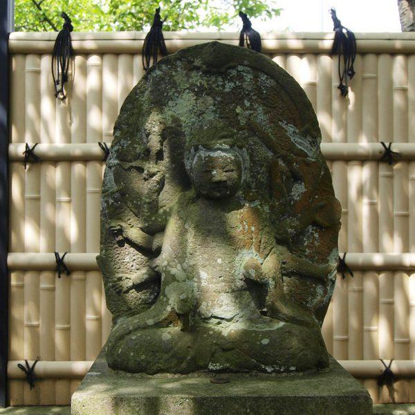 弁財天石像