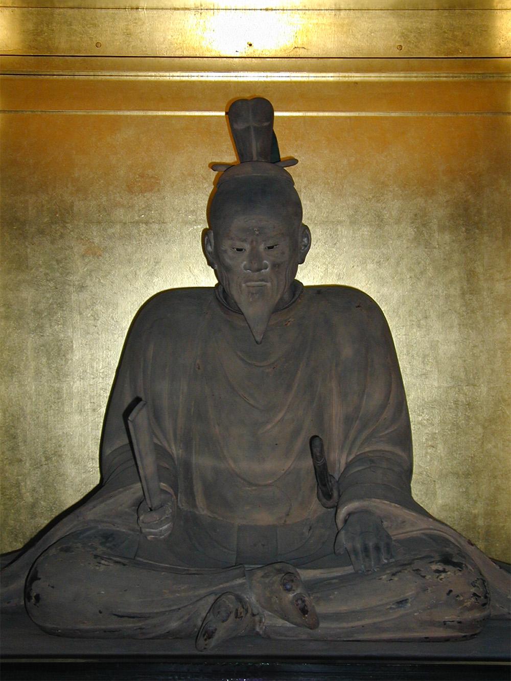 三浦義明坐像