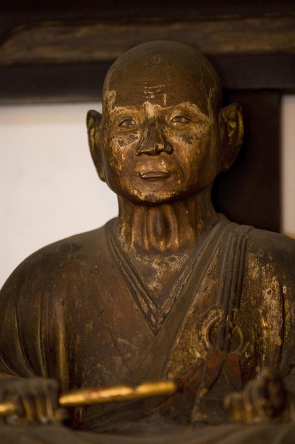 仏乗禅師坐像